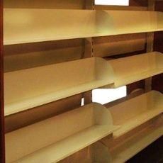 Osvětlení nekovových prodejních regálů 24V